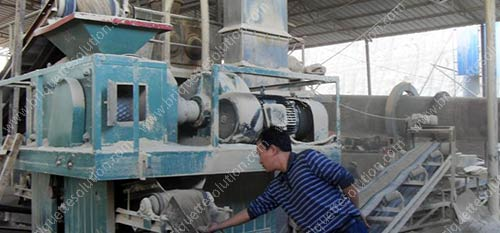 gypsum briquette maker working