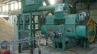 sawdust log briquette maker in Vietnam 2 t/h