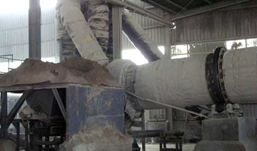rotary dryer is drying desulfurization gypsum